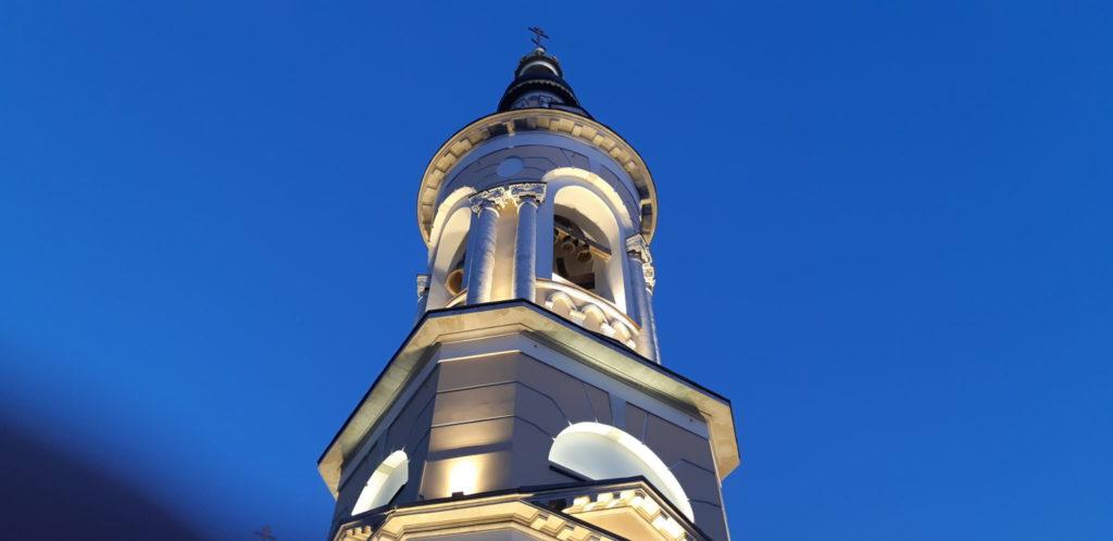 Монтаж новых колоколов в храме Рождества Богородицы